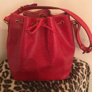 Louis Vuitton Red Epi bucket tote bag